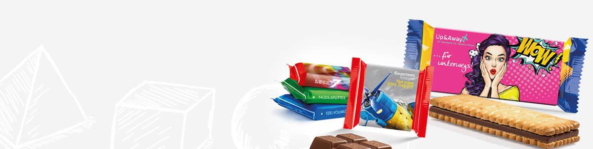 Snacks, Süsses und Schokolade mit Banderole