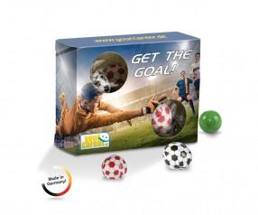 Torwand Box aus Karton mit Kaugummikugeln als Fussball